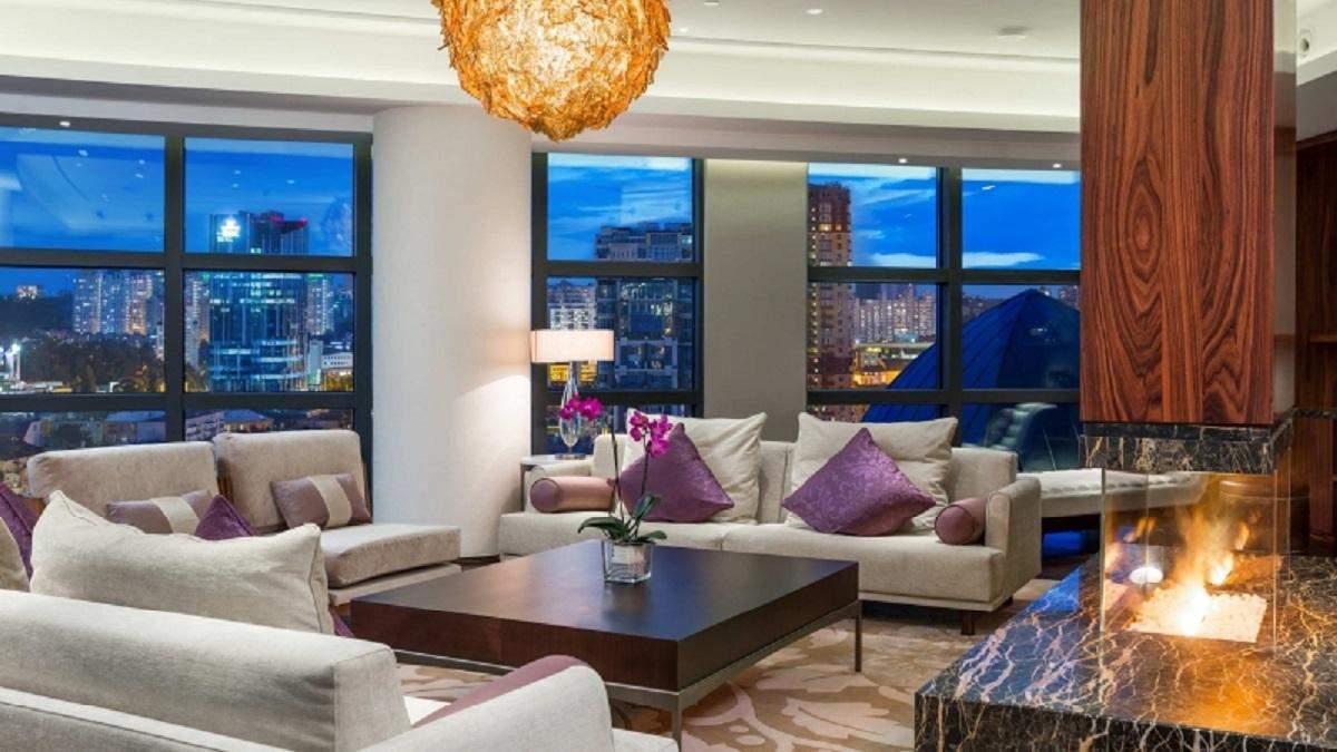 Камин в гостинице и ресторане – варианты дизайна интерьера