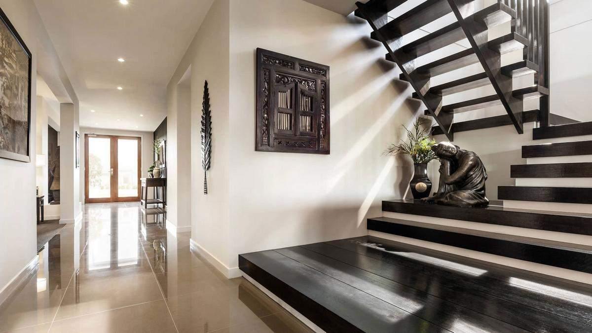 Дизайн коридору зі сходами: вибираємо вдалий колір та стиль