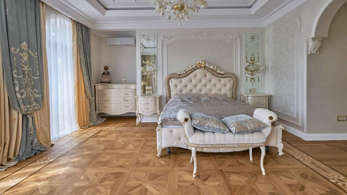 Спальня в класичному стилі: кольори, меблі та особливості дизайну
