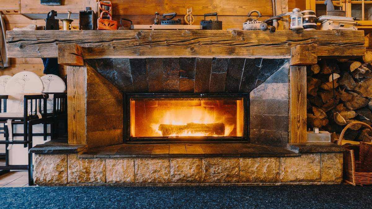 Декоративный камин – преимущества, виды электрокамина