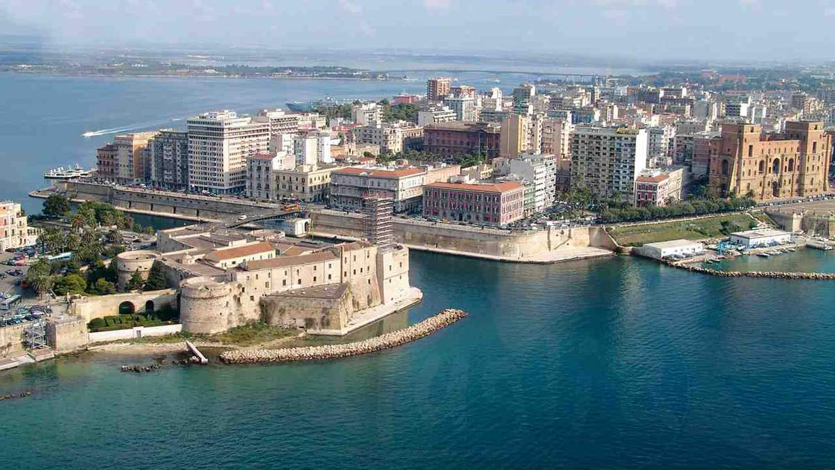Власти одного из итальянских городов продают дома за 1 евро: детали