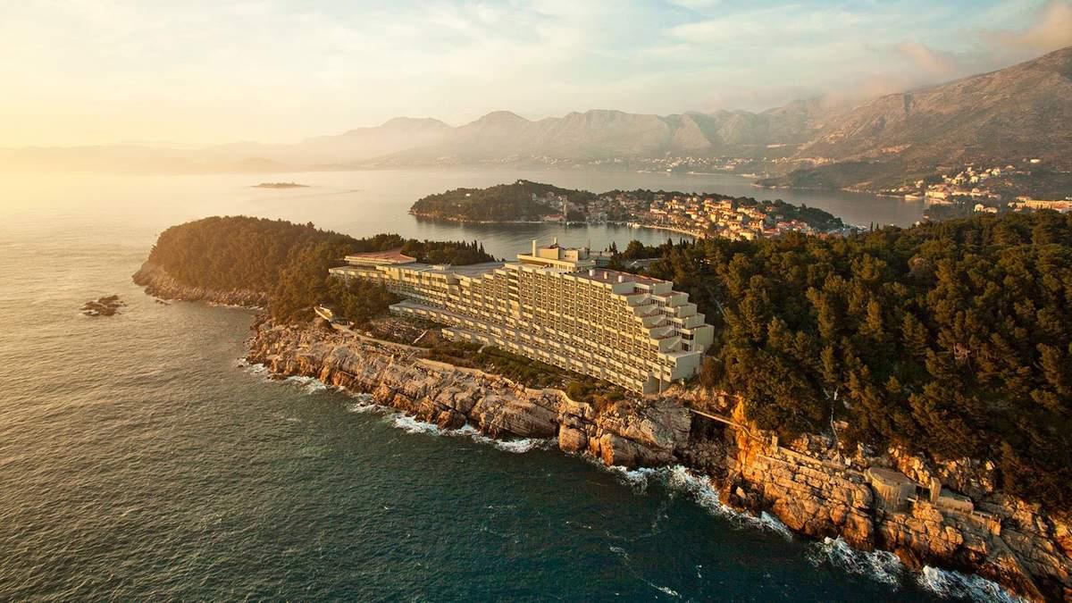 Отель-лайнер: фото монументального сооружения, построенного во времена Югославии
