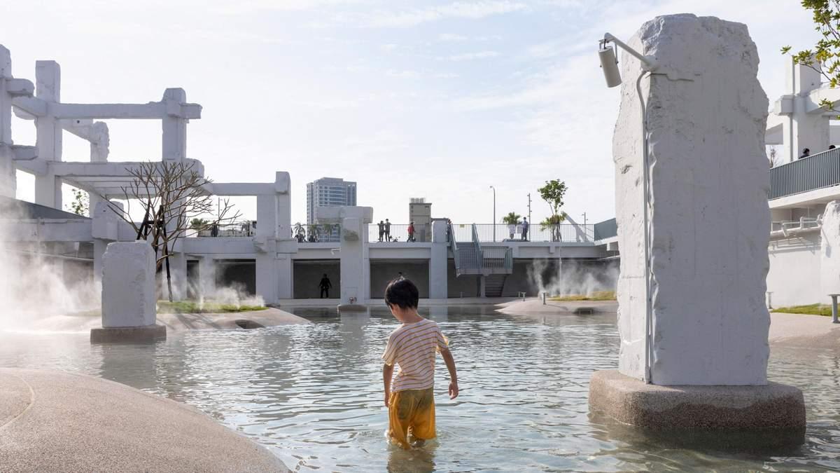 В Тайване старый торговый центр превратили в общественный бассейн – фото
