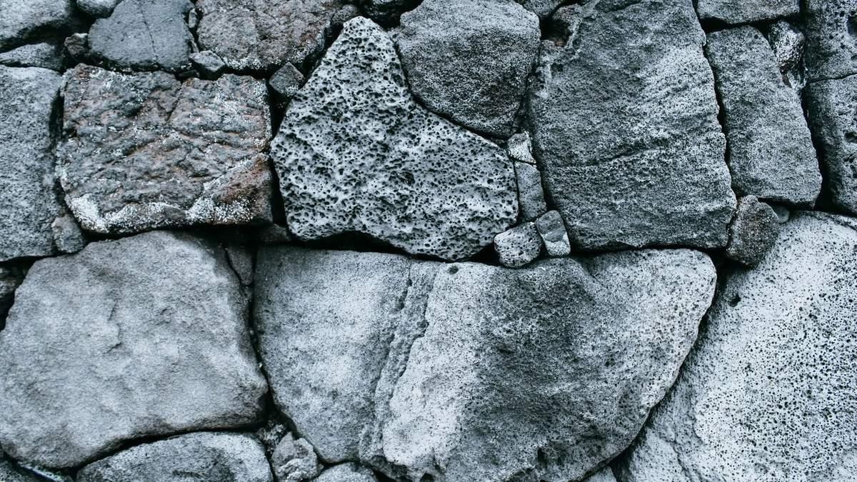 Каменный век в архитектуре: в Лондоне открыли выставку домов, построенных из камня
