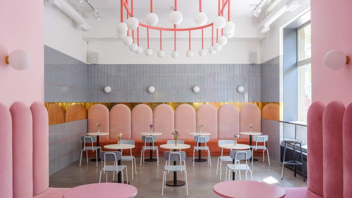 Розово-голубой интерьер: фото неординарной пекарни в Одессе