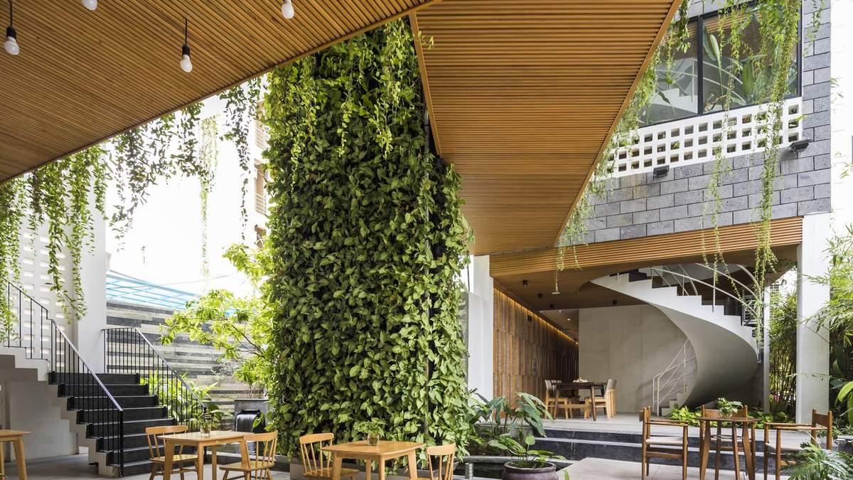 Когда вместо жалюзи растения: фото интерьера недостроенного дома, которому дали новую жизнь