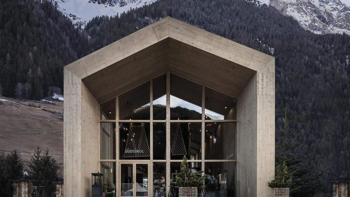 Краса грубого дерева: як виглядає інтре'єр готелю для біатлоністів посеред Альп – фото