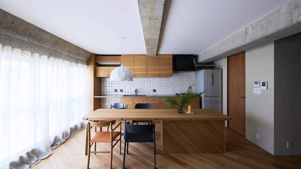 """Квартира з ремонтом """"наполовину"""": приклад поєднання мінімалізму та індустріального стилю – фото"""