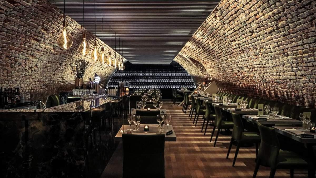 Дизайн погребу: концепція інтер'єру італійського ресторану в підземеллі – фото