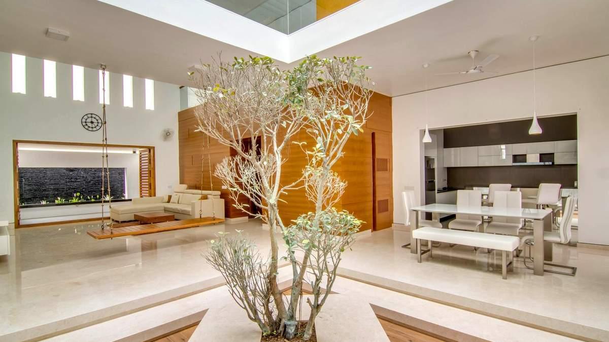 Беспроигрышное сочетание коричневого, белого и серого: фото интерьера дома из Индии