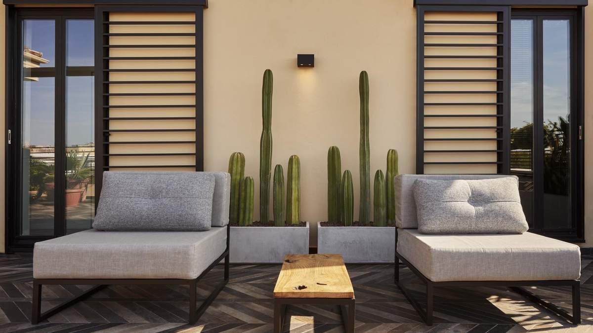 Перепланировка квартиры: в Риме дизайнеры снесли коридор, чтобы добавить больше света в интерьер