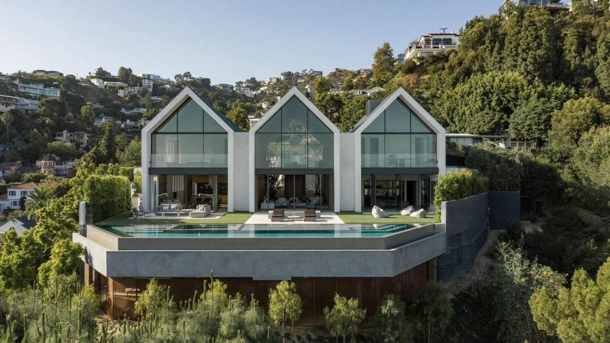 930 квадратних метрів світла: фото двоповерхових будинків відкритого плану