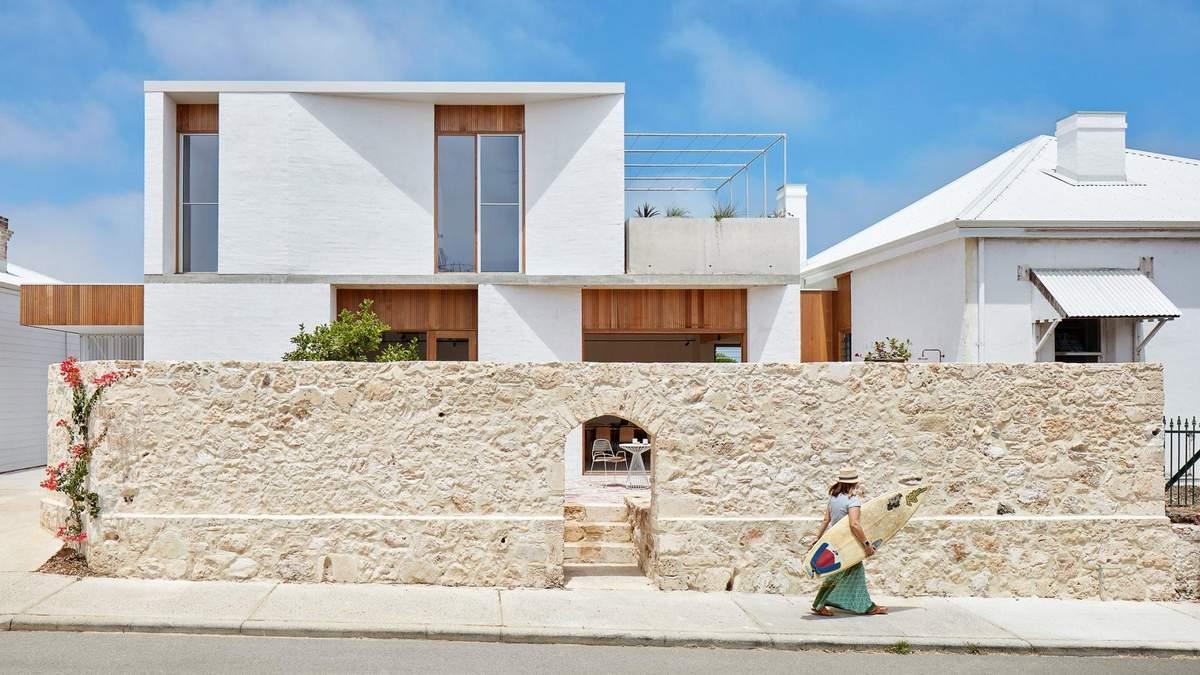 Будинок виконаний у Середземноморському стилі
