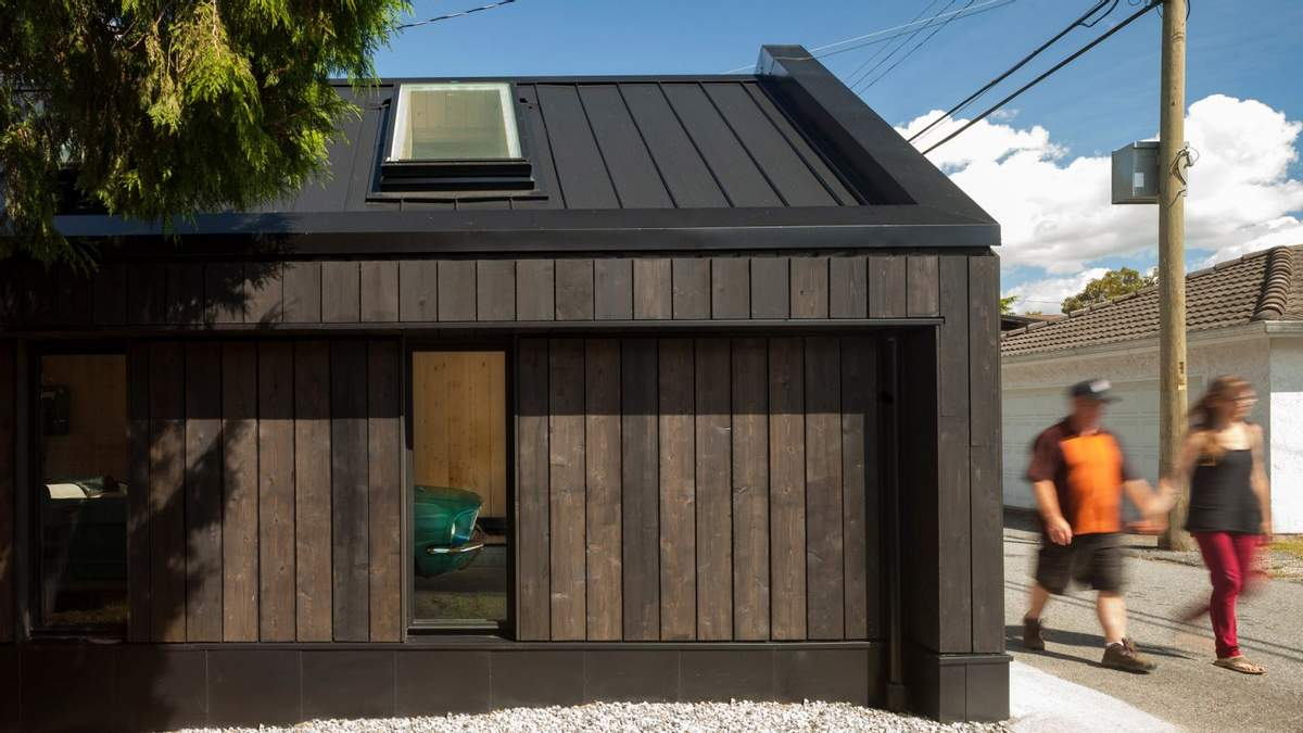 Як облаштувати гараж: приклад повністю дерев'яного приміщення з Канади – фото