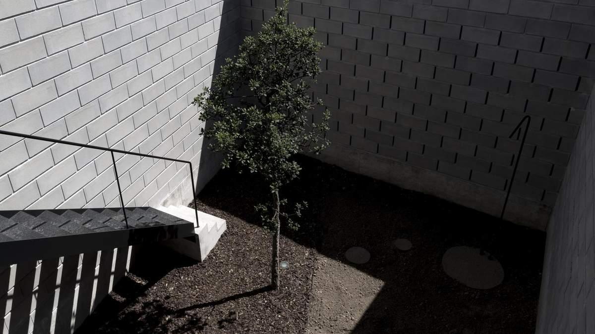 Поламаний будинок: фото інтер'єру приміщення з заплутаним плануванням – фото