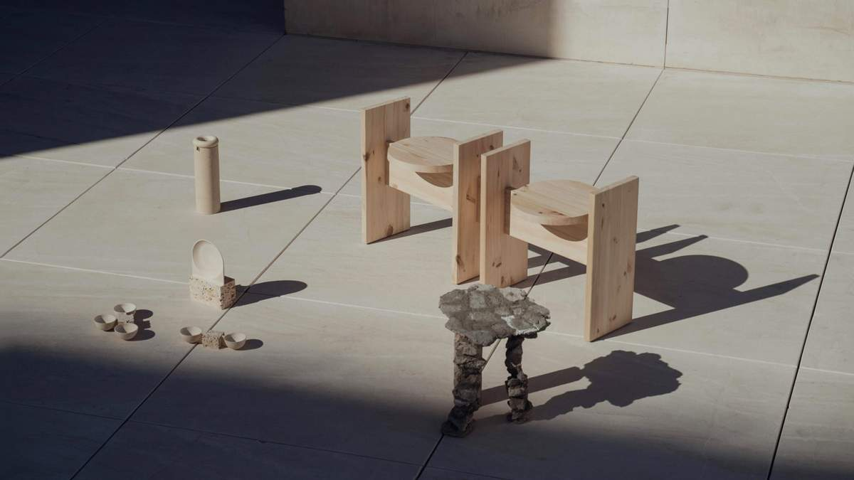 Дизайнерка створила серію предметів для дому з матеріалів, які знайшла біля власного будинку