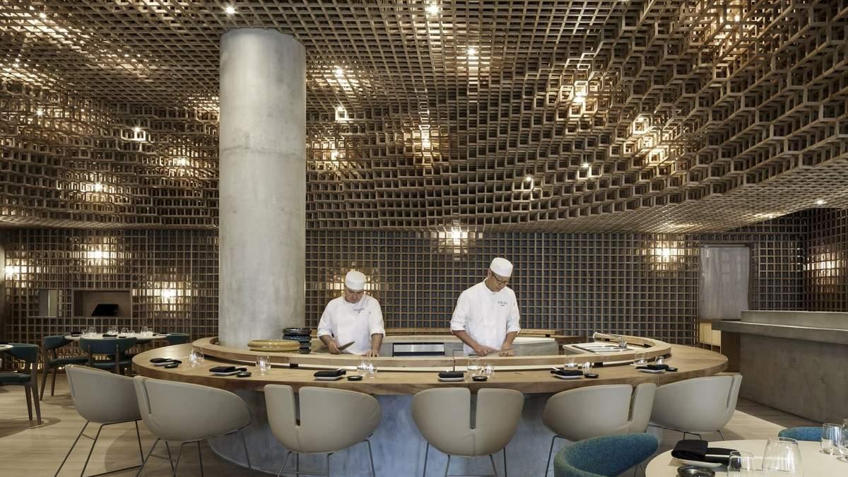 Японское столярное искусство: в Майами открылся ресторан с необычным интерьером – фото