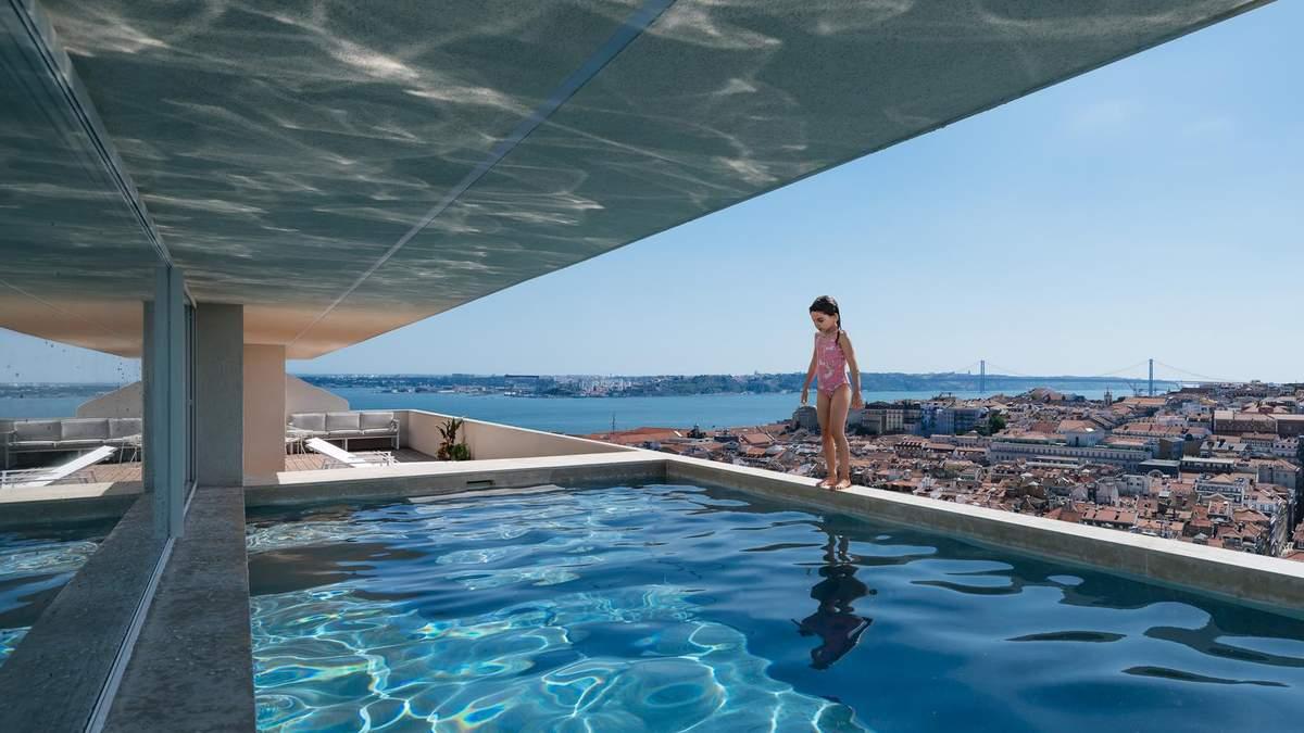 Бассейн и терраса являются роскошью для этой бюджетной квартиры