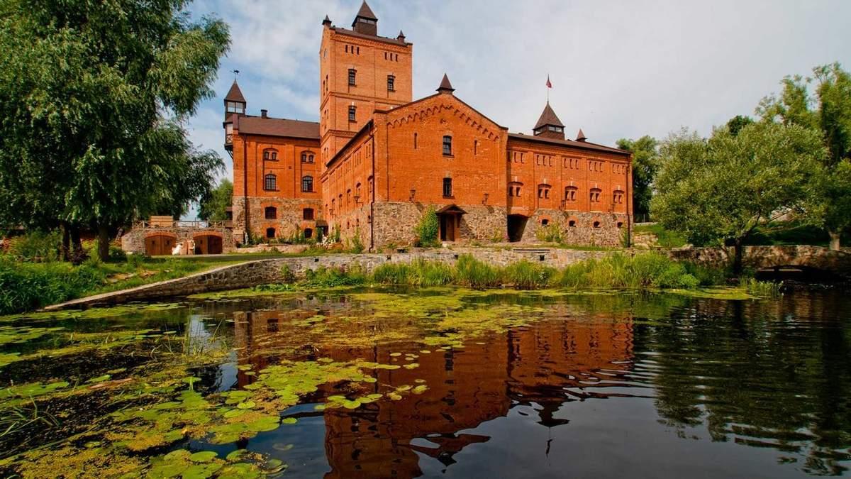 Ночлег в замке: как выглядит отель в Украине, где можно пожить в королевских апартаментах