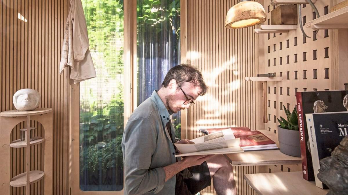 Садовый офис можно обустроить для любого типа работы