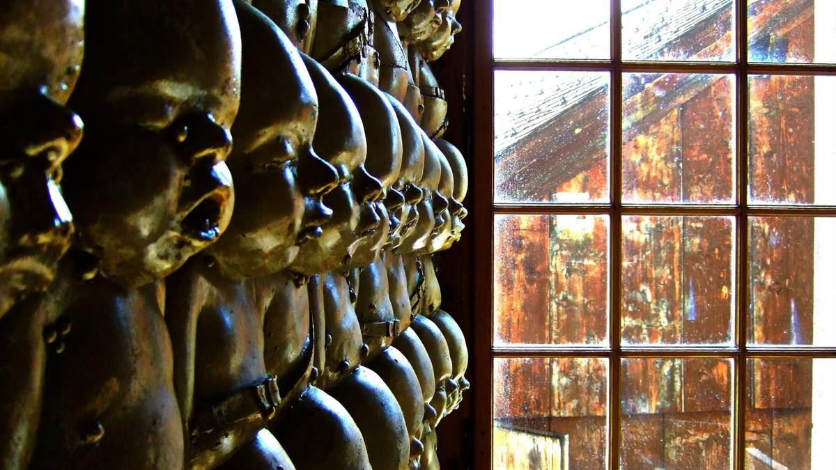Людські скелети і Чужий: фото інтер'єру наймоторошніших барів у світі