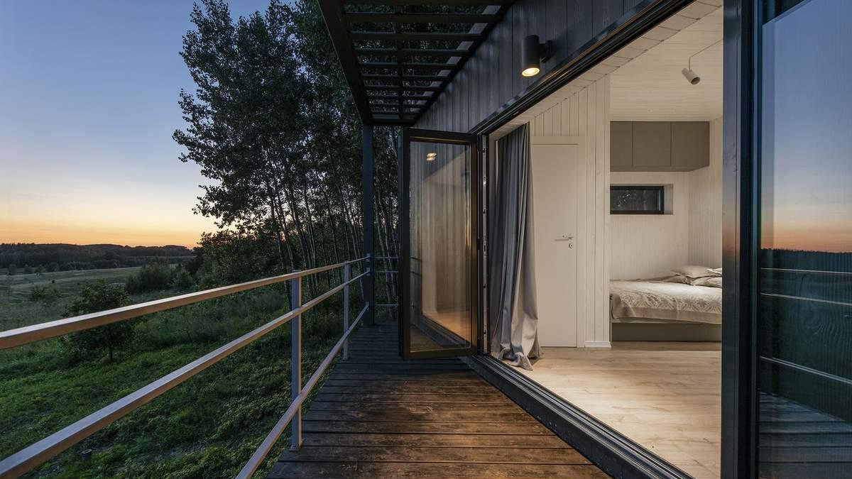 Про такий мріє кожен: фото інтер'єру чудового будиночка в лісі