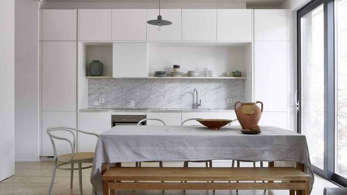 Как выбрать идеальный холодильник для своей кухни: советы дизайнера с фото