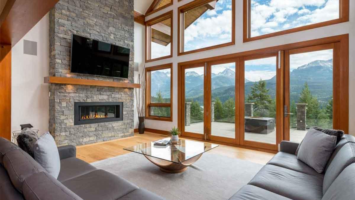 Камин в стиле Шале: почему электрокамин - лучший выбор для дома
