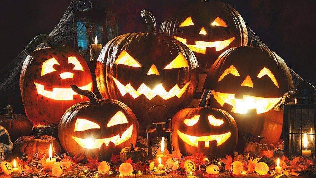 Существует немало идей как нестандартно украсить дом на Хэллоуин