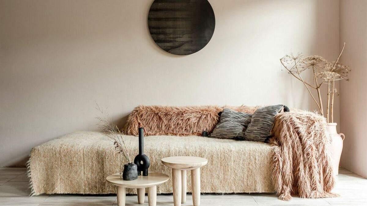 Космічні стільці та карпатські ліжники: у Києві зробили квартиру для медитації – фото інтер'єру