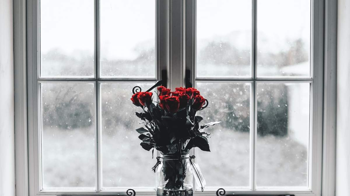 Утеплюємо пластикові вікна на зиму: поради фахівців з відео