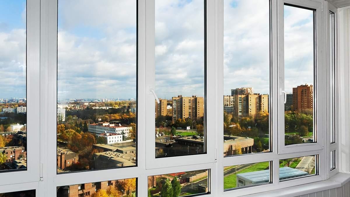 Чи потрібно переводити пластикові вікна в зимовий режим: відповідь фахівців