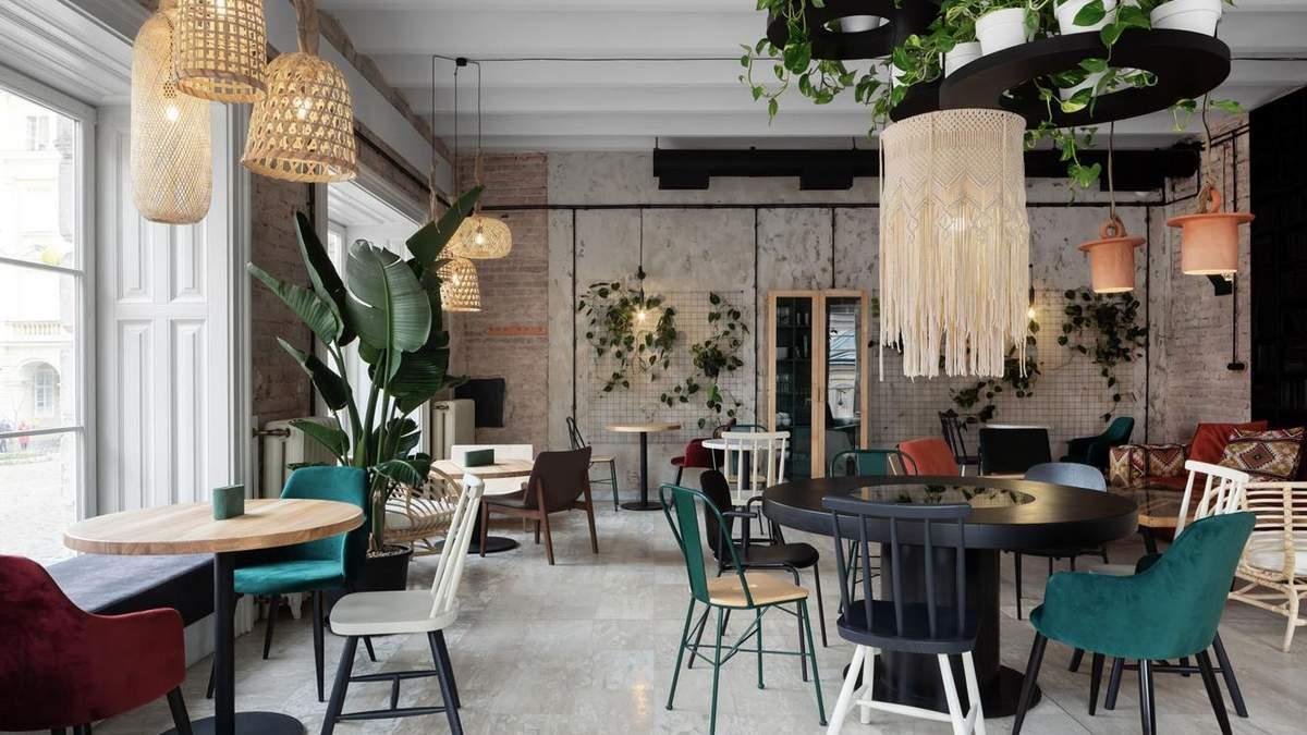 Современное кафе в центре Львова