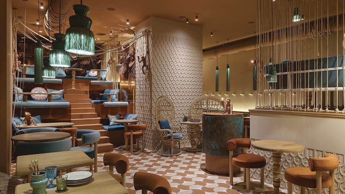 Ресторан індійської кухні в Києві Delhi Delhi: фото інтер'єру