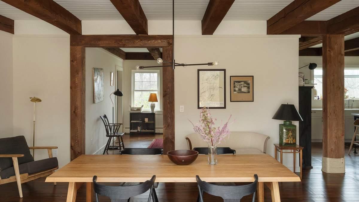Белый рояль на ферме: как выглядит загородный дом пары актеров в США