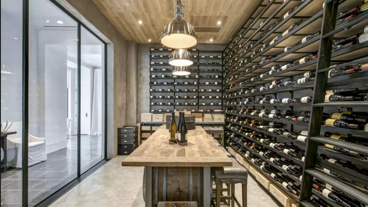 Локдаун та інтер'єр: приватний бар в підвалі – 5 варіантів