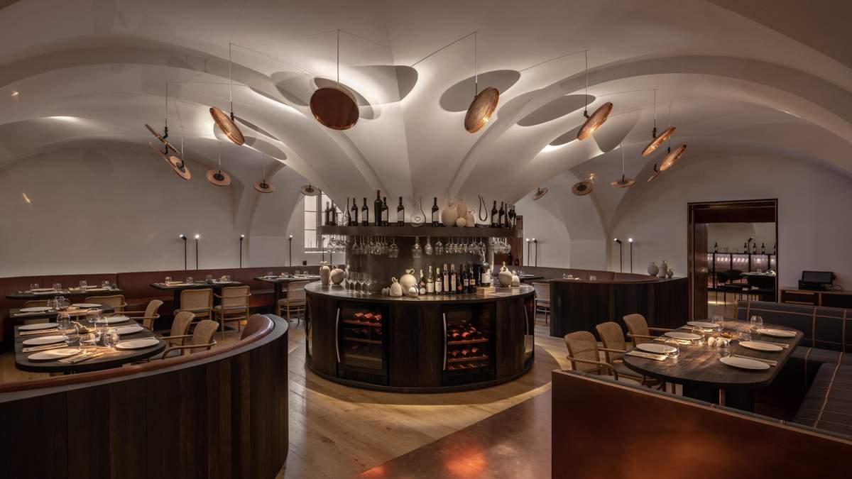 Ресторан Samna Київ: фото інтер'єру ресторану в старовинному особняку