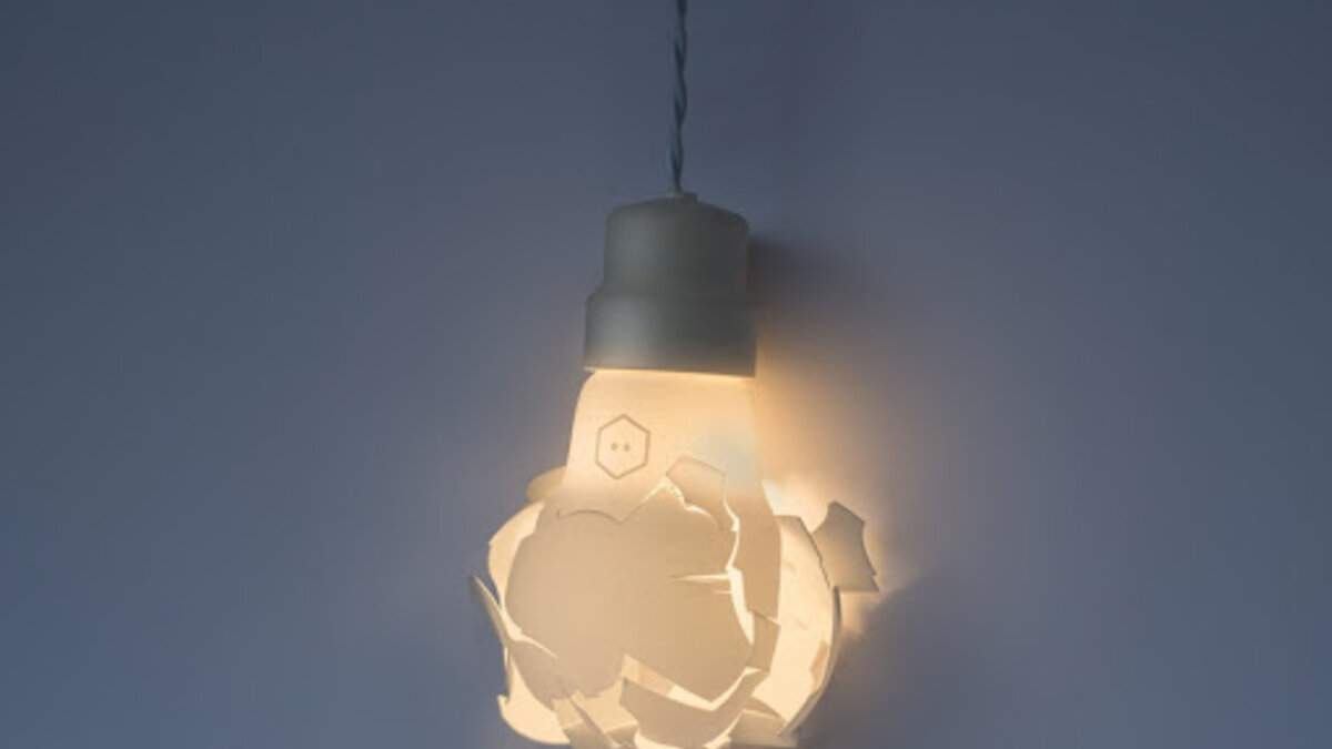 Лампа, в которую попала пуля и другой оригинальный декор для дома