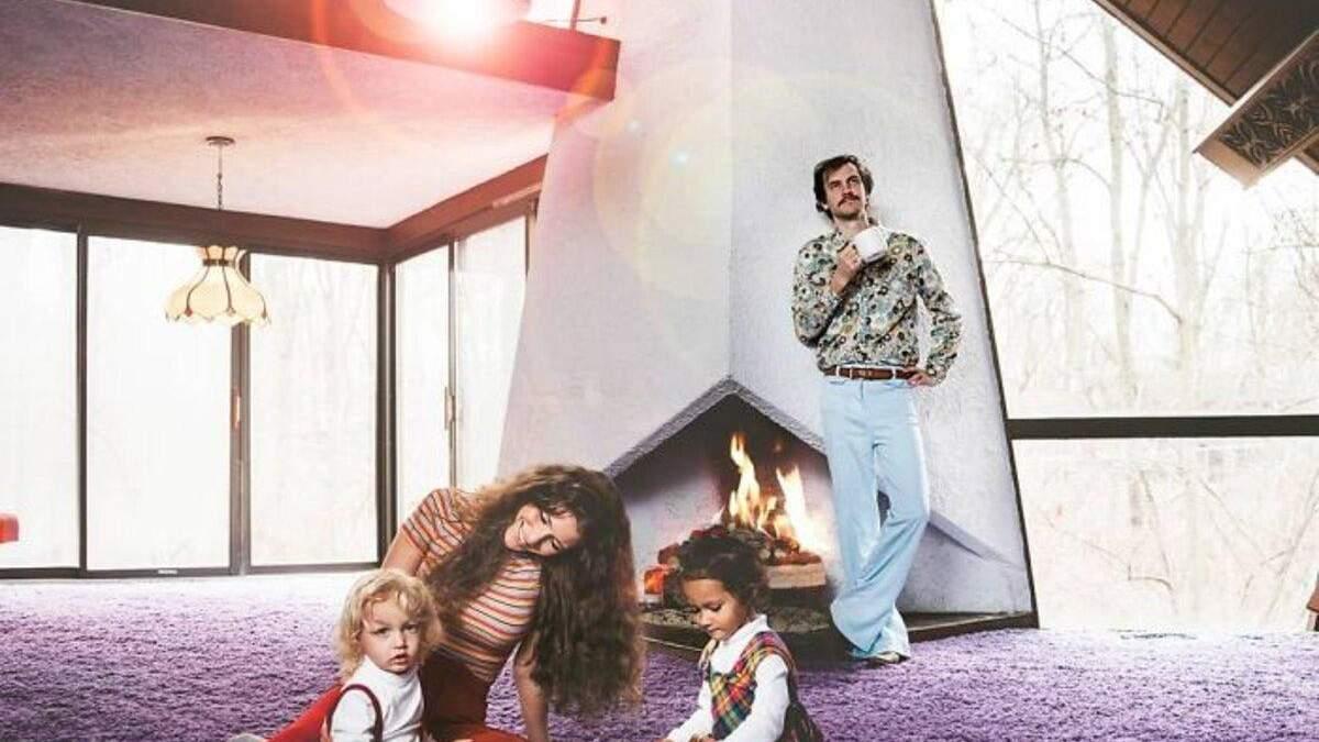 Безумное ретро и фиолетовый ковер: фото этого дома взорвали сеть