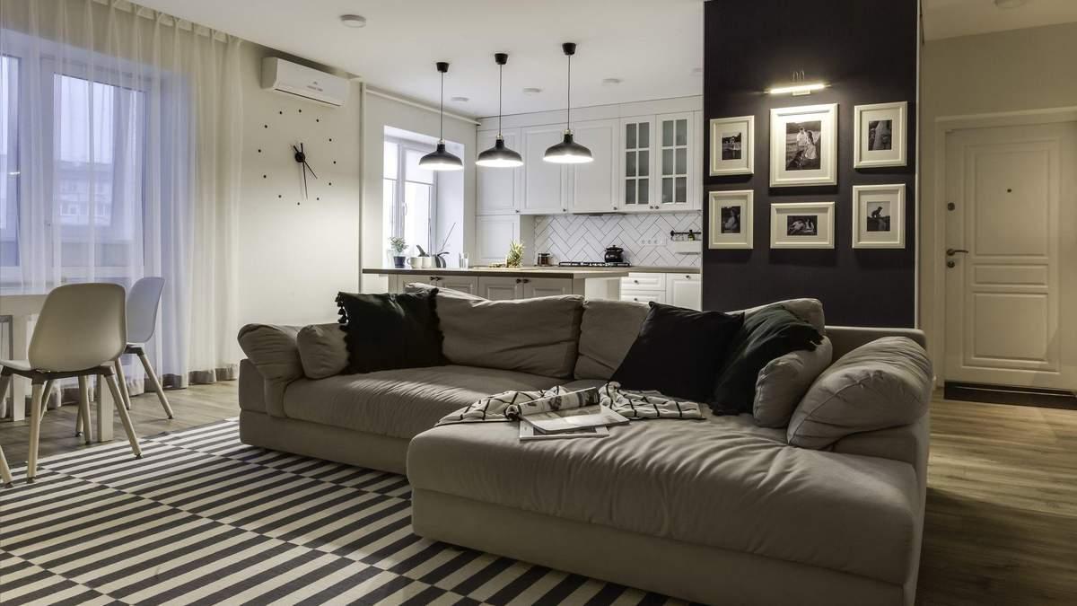 Біла кухня та аксесуари від IKEA: фото інтер'єру квартири у Києві