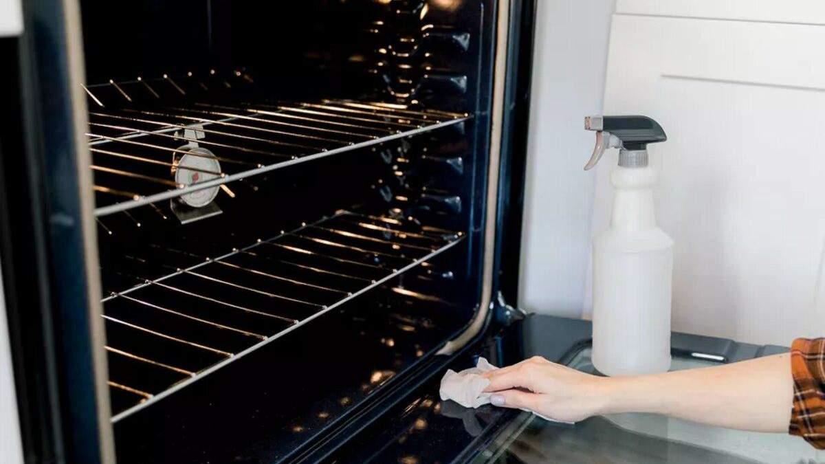Как убирать в доме ежемесячно: простой чеклист для каждого