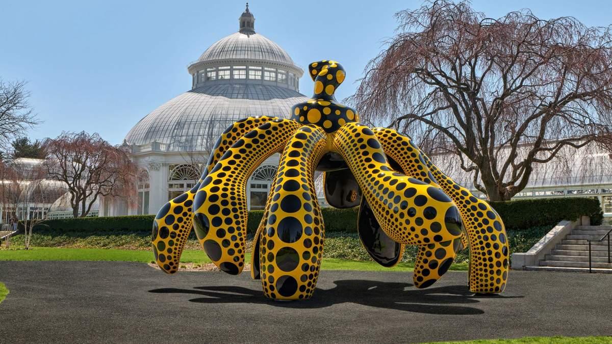 Все в горошек: художница раскрасила ботанический сад в Нью-Йорке – яркие фото
