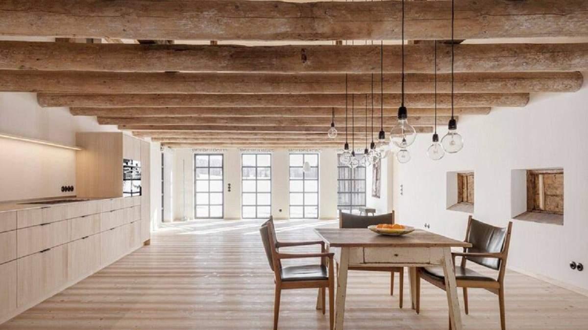 Исторический фермерский дом в Германии превратили в современное здание: фото интерьера