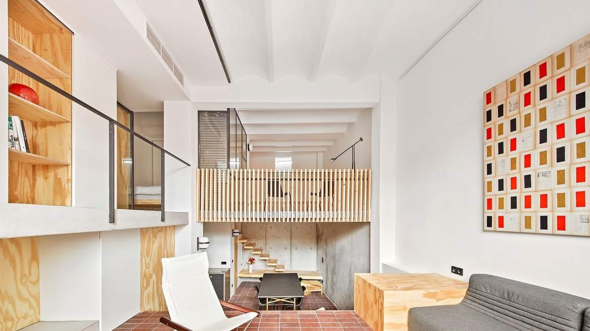 Із закинутого приміщення в просторий дім: фото мінімалістичного проєкту в Барселоні