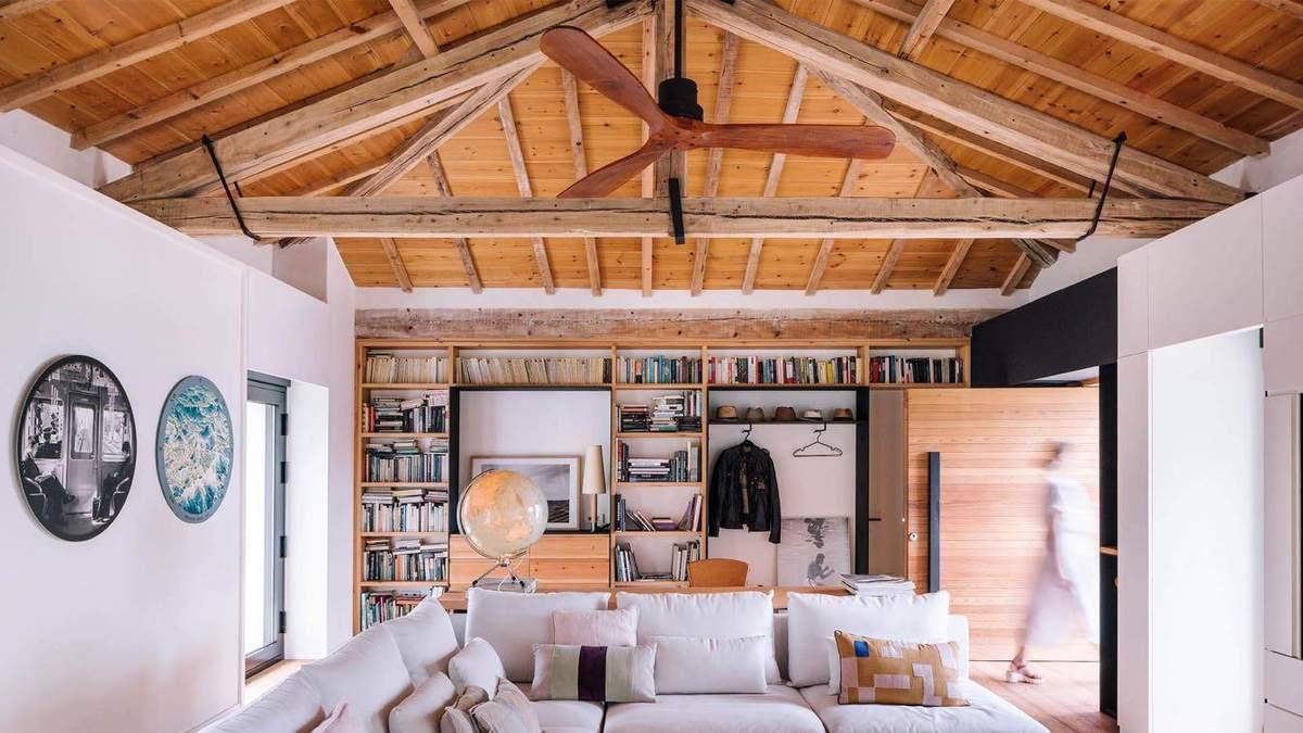 Из старой конюшни в деревянный дом для отдыха: результат фантастической реконструкции