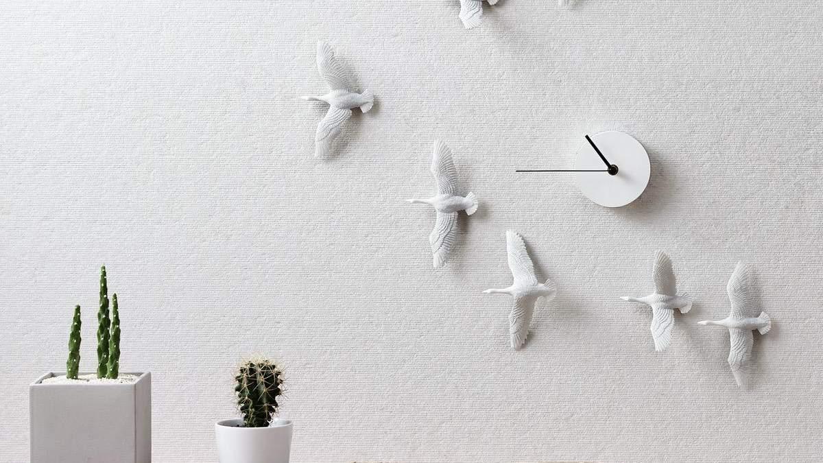 Настенные часы с птицами, которые станут украшением любого интерьера: фото