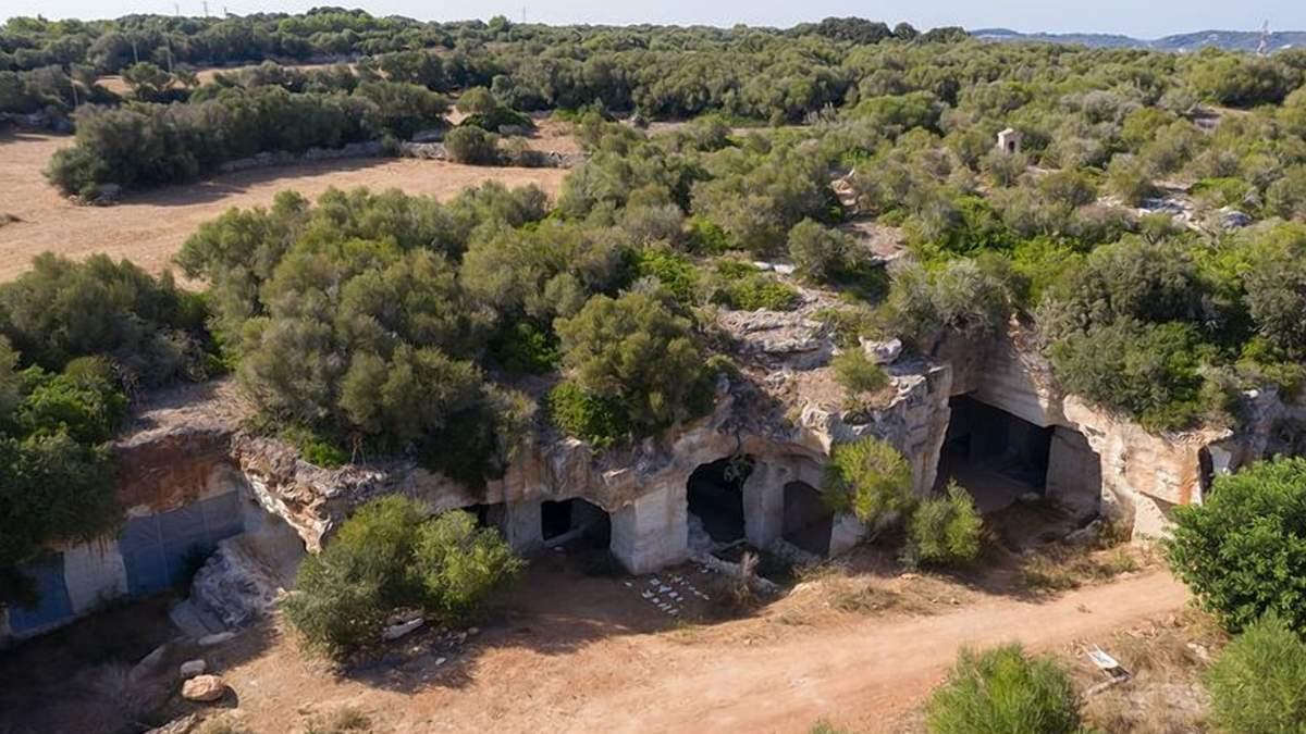 Авангардна архітектура: як виглядає інтер'єр печерного будинку