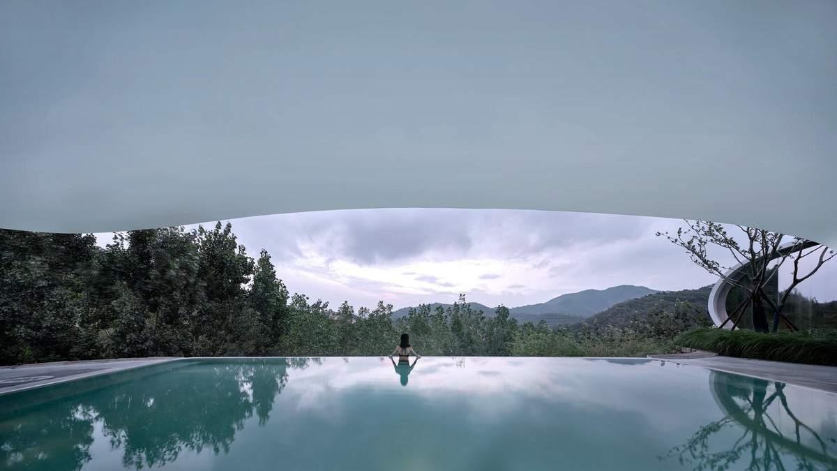 Хрустальная раковина среди гор: фантастические фото панорамного бассейна в Китае - Дизайн 24