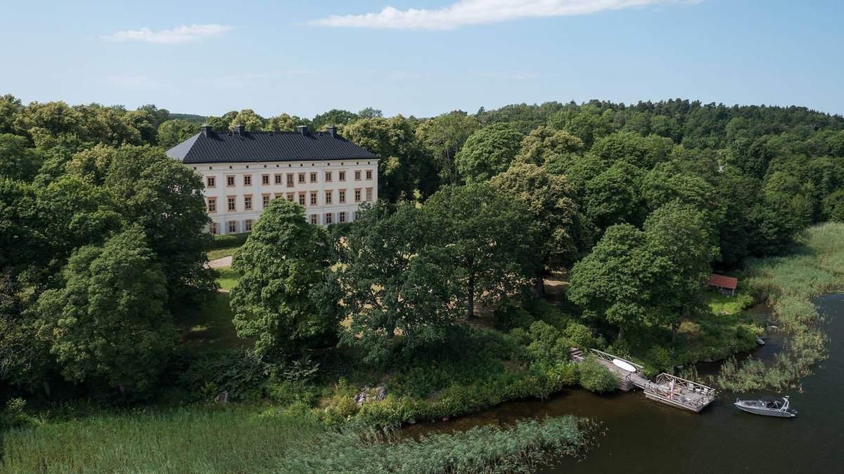 Життя в історії: як виглядає стильна сіра квартира у шведському замку - Дизайн 24
