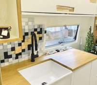 Квартира в микроавтобусе: как пара из Лондона сделала уютный дом на колесах